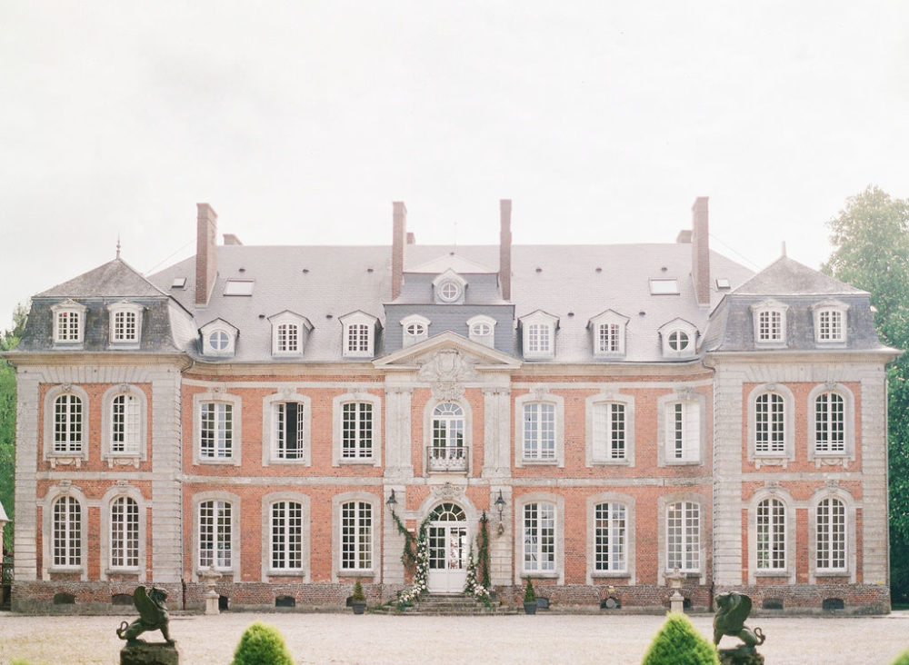 A french chateau for your wedding? As your wedding planner, Les Grands Moments will take great pride in showing them to you.
